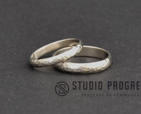 Fehérarany karikagyűrű kalapált - studioprogress.hu